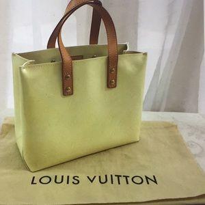 🆕 Louis Vuitton Vernis Read PM Monogrammed Tote